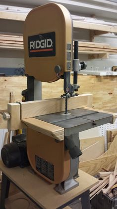 My refurbished bandsawhas worked great for me but was still lacking something. The Kreg universal bandsaw fence has been on wishlist for some time but for at a cost of over $100 I decide to make m…