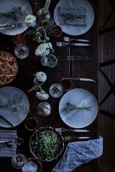 GATHER | 10 TIPS : HOW TO THROW A DINNER PARTY IN AN HOUR by Local Milk