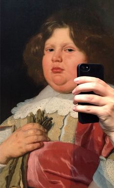 Distractify | Hilarious Photographer Makes Museum Paintings Look Like They're Taking Selfies