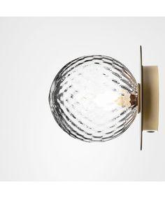 Kjøp Liila 1 Vegglampe/Taklampe Nordic Gold/Optic Clear - Nuura her. NO's største utvalg av designer lamper. Lamp Design, Lighting Design, Glass Packaging, Light Project, Bright Lights, Scandinavian Interior, Vanity Lighting, City Lights, Light Up