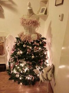 Dress Form Christmas Tree Tutorial..this would be great to add at ...