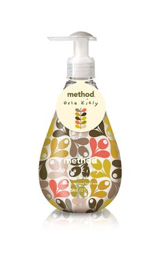 method : ORLA KIELY limited edition – gel hand wash in Vanilla Chai Seasonal scent.stock up at target! Craft Packaging, Cool Packaging, Bottle Packaging, Innovative Packaging, Method Soap, Method Homes, Orla Kiely, Stationery Paper, Liquid Soap