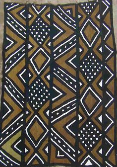 Traditional mud cloth from Mali (www.sagatours.com)  It's inspiring me to make a quilt with some of my Kenyan fabrics...