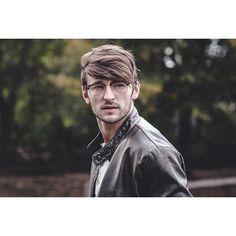 Fall Editorial   @williediii6 #malemodel #malemodelnashville #model #photoshoot #fashion #commercial #fall #glasses #beard #fit #fitness #fitnessmodel #leather #nashville #nyc #LA