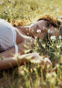 The Meadow ~ Outdoor Photography, Photography Women, Creative Photography, Fashion Photography, Poses Photo, Picture Poses, Photo Shoot, Shooting Photo Boudoir, Boudoir Photos