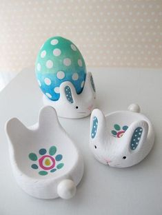 Make a polymer clay bunny to display your Easter eggs! This is an adorable project that is fun to make with friends.<br> Make a polymer clay bunny to display your Easter eggs! This is an adorable project that is fun to make with friends. Sculpey Clay, Polymer Clay Projects, Polymer Clay Creations, Easter Art, Easter Crafts, Easter Eggs, Easter Bunny, Clay Crafts For Kids, Clay Projects For Kids