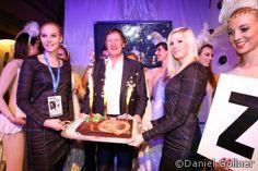 Franz Klammer 60 igster Geburtstag im Pulverer - das Geburtstagskind mit Torte #fk60