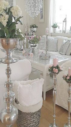 Instagram:@xochampagne Snapchat:@champagneox Pintrest:@xochampagneox Shabby Chic Storage, Shabby Chic Homes, Shabby Chic Decor, Glam Living Room, Living Room Decor, Casas Shabby Chic, Shabby Chic Furniture, Distressed Furniture, Antique Furniture
