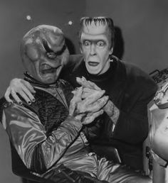 Herman meets the alien from The Outer Limits episode O. Munsters Car, Munsters Tv Show, Los Addams, Rock N Roll, Herman Munster, Black Sheep Of The Family, Yvonne De Carlo, Female Vampire, Classic Monsters
