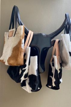 minali leather co Fashion Handbags, Tote Handbags, Handbag Accessories, Hand Stitching, Leather Bag, Style Fashion, Brand New, Tote Bag, Handmade