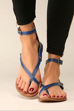 Black Skinniegs and Cute Sandals