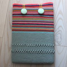 """Awesome...gotta do this...crochet macbook 13"""" sleeve pattern ( and thanks google translate) :)"""