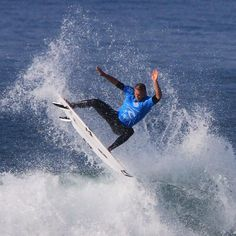 Carving it up at Bells  #australia #beach #canon #canonaustralia #destination_nsw #redhotshotz #redhotshotzsportsphotography #surf #surfphotography #surfporn #surfinglocations #froth #waves #rippingit #surflords #auusie #australian #actionphotography #sportsphotography #throwingbuckets #wsl #surfart #surflife #surf_shots  #bellsbeach #greatoceanroad #visitgreatoceanroad @surflords @surfvisuals @greatoceanroad @surfingvictoria #ripcurl by red_hot_shotz http://ift.tt/1KnoFsa