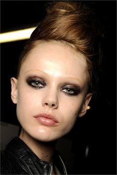 Frida Gustavsson makeup