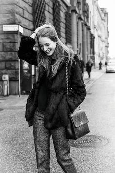 fuzzy jacket, trousers, ladylike handbag and effortless hair...so chic!