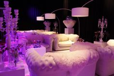 White Lounge party... Hip, eigentijds en helemaal 'te wouw'. Ibiza, here we come!