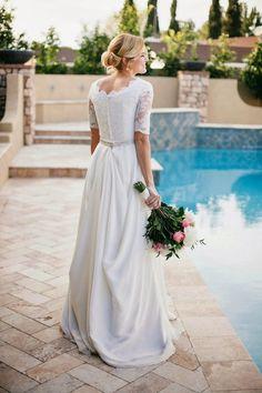 Beautiful Chiffon Lace Wedding Dress with Modest Sleeves
