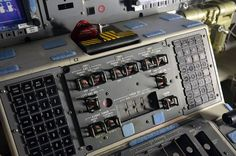 pixpeedia: Control cabin of the Space Shuttle