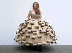 Resultado de imagen para vestidos de reciclaje