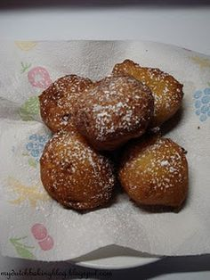 Oliebollen (6 servings)  This batch makes only 6!!