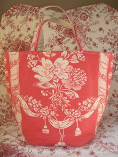French Country Market Tote Toile European Artisan Crafted Handbag Shabby Chic #ArankaDesign #TotesShoppers