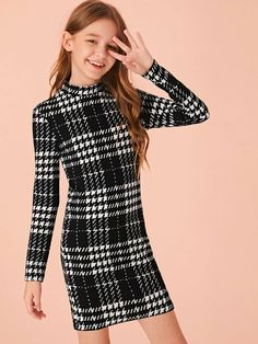 SHEIN Kiddie Black And White Plaid Stand Collar Bodycon Casual Dress Kids Spring Long Sleeve Form Fitted Short Pencil Dresses Teenage Girl Outfits, Kids Outfits Girls, Cute Outfits For Kids, Cute Casual Outfits, Casual Dresses, Girls Dresses, Tween Fashion, Girls Fashion Clothes, Teen Fashion Outfits