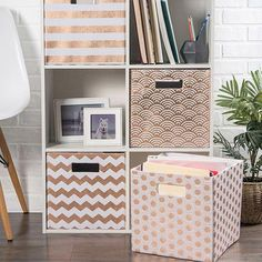 5 Tips for Trendy Home Decor on a Budget - Sweet Crib Trendy Home Decor, Diy Home Decor, Room Decor, Diy Storage Boxes, Cube Storage, Apartment Decorating On A Budget, Decorating Your Home, Apartment Ideas, Decorating Ideas