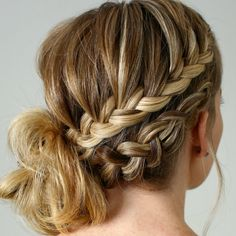 Easy Boho Hairstyle For Long Hair - 20 Trendy Half Braided Hairstyles - The Trending Hairstyle Edgy Haircuts, Blonde Haircuts, Half Braided Hairstyles, Loose Hairstyles, Hair Bun Tool, Cooler Stil, Braids With Curls, Trending Hairstyles, Textured Hair