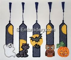 10379 Free standing lace Halloween bookmark set