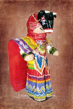 Moro, muñeco de la tienta Utzil de Quetzaltenango. Foto por Galas de Guatemala l Sólo lo mejor de Guatemala _ Moor, doll from Utzil store of Quetzaltenango. Photo by Galas de Guatemala l Only the best of Guatemala