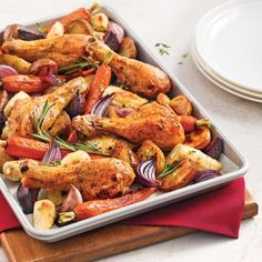 Learn the basics of rustic french cooking with this meal of traditional favorites. Start with poulet roti aux legume racines, roasted chicken with root vegetabl Chicken Drumsticks, Chicken Wings, Roasted Chicken, Tandoori Chicken, Easy Sesame Chicken, Best Mashed Potatoes, Confort Food, One Pot Pasta, Rustic French