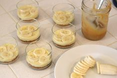 This Banana Caramel Cream Dessert is simply one of the most delicious desserts ever! this dessert has it all! Individual Desserts, Small Desserts, Mini Desserts, Dessert Spoons, Dessert Dishes, Apple Dessert Recipes, Delicious Desserts, Carmel Desserts, Trifle Dish