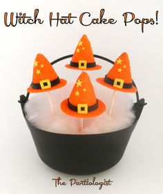 The Partiologist: Puttin' On The Witch!~ Cauldron of Witch Hat Cake Pops Halloween Cake Pops, Halloween Sweets, Halloween Baking, Halloween Birthday, Holidays Halloween, Happy Halloween, Halloween Ideas, Halloween Dance, Freaky Memes