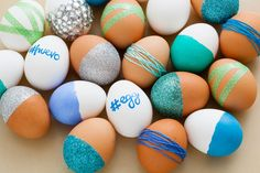 We know -- it's not even April! But, we're already living and breathing Easter here at Brit + Co. We've got pastel sprinkles aplenty, eggs by the dozen and bunny ears popping up in every single photo shoot. To kick things off right, we're starting with the basics. Here are five easy and unusual ways to decorate your Easter eggs… in under five minutes!