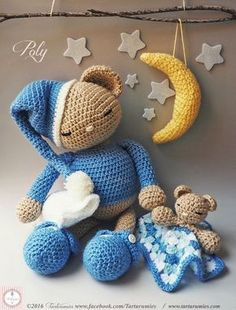 We present Poly, our little Sleeping Teddy Bear ♥ ♥ ♥At the request of many of you who wanted to learn withus to make amigurumis, Polyis born together