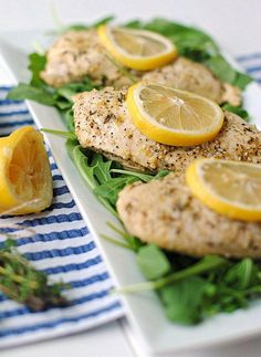 Lemon Chicken with Thyme - one of the favorite go-to clean recipes from eat yourself skinny Skinny Recipes, Clean Eating Recipes, Healthy Eating, Cooking Recipes, Healthy Recipes, Healthy Dinners, Healthy Foods, Free Recipes, Fresco