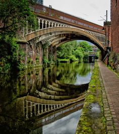 The Rochdale Canal is a navigable broad canal in Northern England, between Manchester and Sowerby Bridge, part of the connected system of the canals of Great Britain. Its name refers to the town of Rochdale, in Greater Manchester, through which it passes. Places Around The World, Oh The Places You'll Go, Places To Travel, Places To Visit, Around The Worlds, Croquis Architecture, Wonderful Places, Beautiful Places, Manchester England