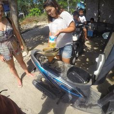 I don't know what's worse buying fuel by the plastic bottle... or the two 8 year olds in the back that overtook our bike seconds later  @GoPro #wtf #indonesia . . . . . . #GoPro #goprohero4 #couple #backpacker #backpackerlife #travelgoals #relationshipgoals #motorbike #goprooftheday #photooftheday #wanderlust #travel #travellingtogether #travellingcouple #globetrotter #digitalnomad #goprowill #GoPro_Boss #goproeracademy #herobyhero #goprostyles #GoWorldWide #bali #TheBaliGuru…