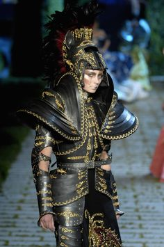 Colección Christian Dior inspirada en la Edad Media.