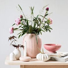 What do you prefer? Relaxed holiday ambience, romantic summer idyll or botanic inspiration? In our online summer magazine, you can find an abundance of inspiration for decorating your home. Explore the three summery styles and find your favorite. Link in bio!  #Kähler #KählerHammershøi #Inspiration #Summer #Trends