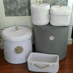 30 cestos de croché com fio de malha