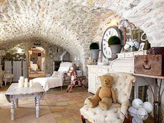 Vicky's Home: El encanto de una casa de piedra / The charm of a stone house