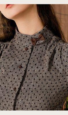 Kurti Sleeves Design, Sleeves Designs For Dresses, Kurta Neck Design, Neck Designs For Suits, Neckline Designs, Blouse Neck Designs, Collar Kurti Design, Fancy Dress Design, Stylish Dress Designs