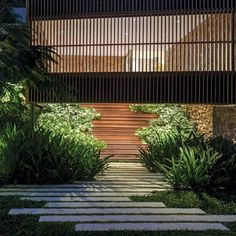 How to make an entrance! Great balance between built architecture and soft landscaping. Inspirational example of how to do it right by Bernardes Arquitetura. by Leonardo Finotti.