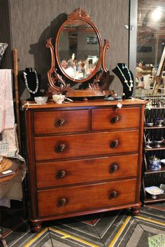 early mahogany chest of drawers