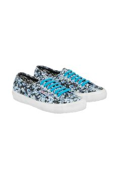 mary katrantzou superga beachwear 2020 - Αναζήτηση Google Coral Pattern, Challenge The Status Quo, Mary Katrantzou, Cute Summer Outfits, Online Shopping Stores, Superga, Summer Looks, Fashion Photo, Trainers