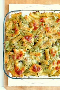 Hai cercato: Pasta al forno con broccoli e scamorza - Deliziando Italian Dishes, Italian Recipes, Italian Meals, Pasta E Broccoli, Pasta Recipes, Cooking Recipes, Italy Food, Food Humor, Battaglia