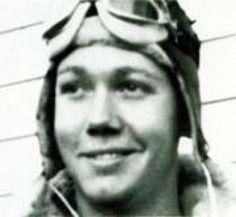 WWII Fighter Pilot Takes Down Mitsubishi Zero With a Handgun