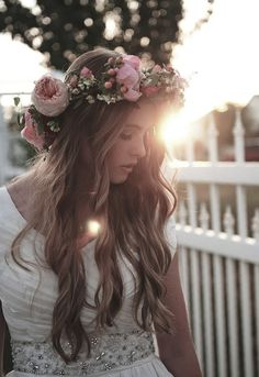 "Wavy hair and flower crown ♪♫ Flowers In Your Hair"" ♫ ♪ ☮k☮"