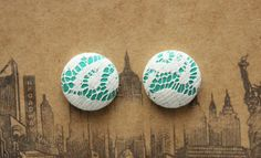 Vintage lace over emerald silk. How luxurious! Made in NYC. $6.50